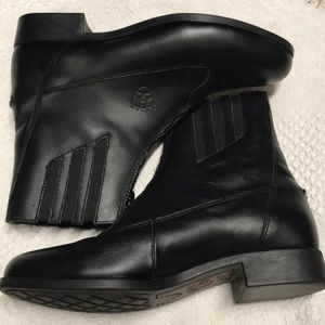 Ariat Scout Paddock ZIP up ankle boots water proof